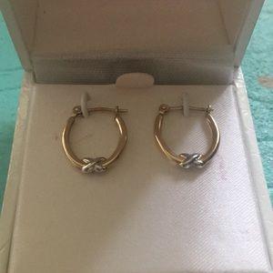 Jewelry - Gold earrings